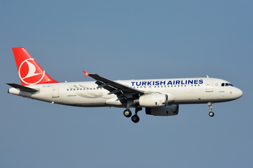 Airbus_A320_Turkish_Airlines